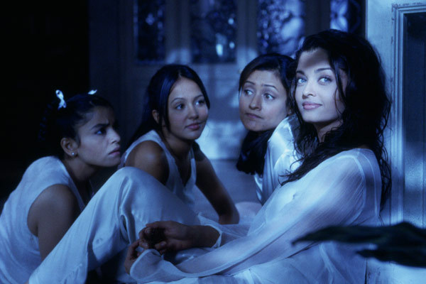 Coup de foudre bollywood la critique - Aishwarya rai coup de foudre a bollywood ...