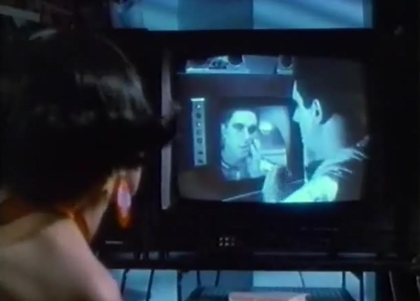 Meurtres en vhs la critique du film for Meurtre en miroir